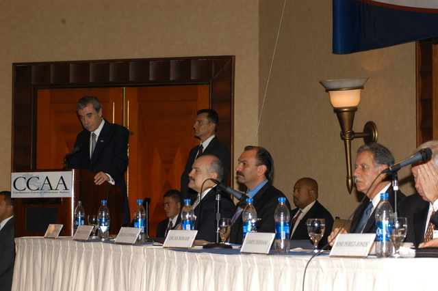[Assignment: OS_2006_1201_34_C] Office of the Secretary (Carlos Gutierrez) - Secretary Central America Free Trade Agreement Trade Mission to Guatemala [40_CFD_OS_2006_1201_34_C_4369_c_120.jpg]