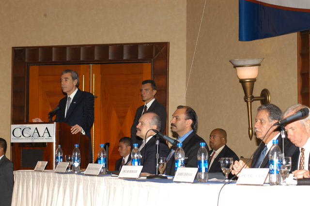 [Assignment: OS_2006_1201_34_C] Office of the Secretary (Carlos Gutierrez) - Secretary Central America Free Trade Agreement Trade Mission to Guatemala [40_CFD_OS_2006_1201_34_C_4369_c_119.jpg]