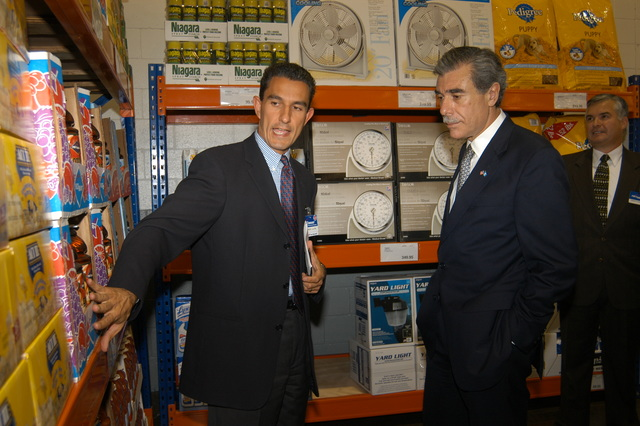[Assignment: OS_2006_1201_34_C] Office of the Secretary (Carlos Gutierrez) - Secretary Central America Free Trade Agreement Trade Mission to Guatemala [40_CFD_OS_2006_1201_34_C_4369_c_323.jpg]