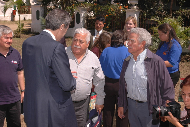 [Assignment: OS_2006_1201_34_D] Office of the Secretary (Carlos Gutierrez) - Secretary Central America Free Trade Agreement Trade Mission to Guatemala [40_CFD_OS_2006_1201_34_D_4369_d_033.jpg]