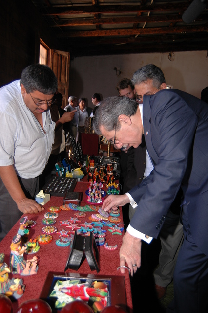 [Assignment: OS_2006_1201_34_F] Office of the Secretary (Carlos Gutierrez) - Secretary Central America Free Trade Agreement Trade Mission to Guatemala [40_CFD_OS_2006_1201_34_F_4369_f_373.jpg]