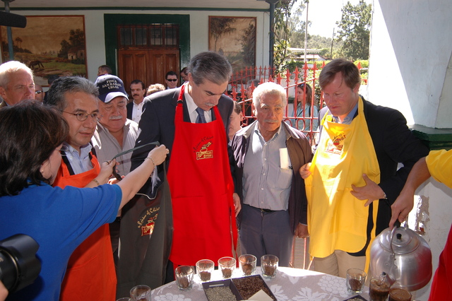 [Assignment: OS_2006_1201_34_F] Office of the Secretary (Carlos Gutierrez) - Secretary Central America Free Trade Agreement Trade Mission to Guatemala [40_CFD_OS_2006_1201_34_F_4369_f_242.jpg]