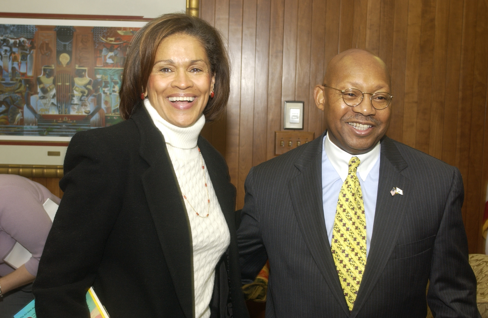 Secretary Alphonso Jackson with Gail Melissa Grant - Secretary Alphonso Jackson meeting at HUD Headquarters with Gail Milissa Grant, [author and former Department of State and U.S. Information Agency cultural and public affairs attache]