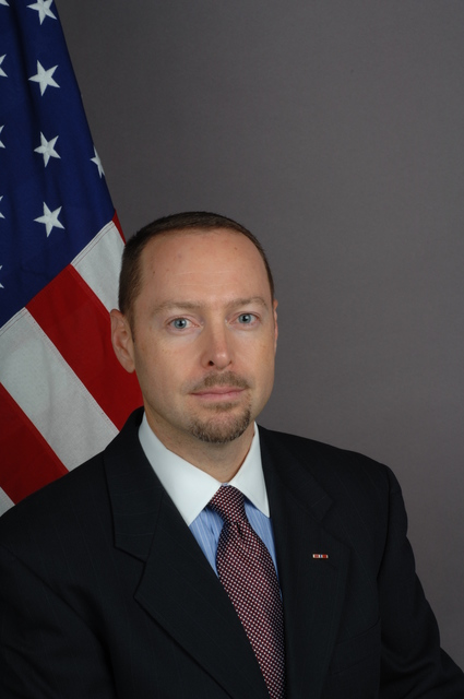 [Assignment: 59-CF-DS-24663-05] Official portrait of John Hillen, Assistant Secretary for Political-Military Affairs [Photographer: Ann Thomas--State] [59-CF-DS-24663-05_DSC_0347.JPG]