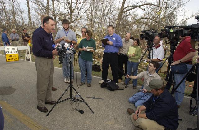 [Tornado and Severe Storms] Evansville, IN, November 9, 2005 -- Acting FEMA Director R. David Paulison touring tornado ravaged Evansville and Newberg, Indiana. Paulison praises local community effort.  Leif Skoogfors/FEMA Photo
