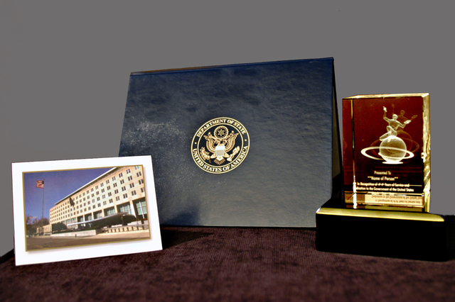 [Assignment: 59-CF-DS-25326-05] Closeups, for State Magazine, of official gifts bestowed during Department retirement ceremonies [Photographer: Ann Thomas--State] [59-CF-DS-25326-05_Retirement.jpg]