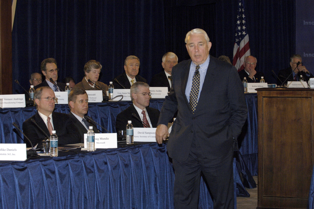 [Assignment: OS_2006_1201_63] Office of the Secretary (Carlos Gutierrez) - National Summit on Competitiveness [40_CFD_OS_2006_1201_63__DSC0057.JPG]