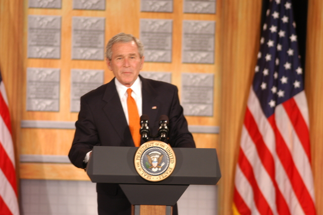 [Assignment: 59-CF-DS-26241A-06] President George Bush addressing Summit of U.S. University Presidents on International Education, Dean Acheson Auditorium [Photographer: Mark Stewart--State] [59-CF-DS-26241A-06_DSC_0229.JPG]