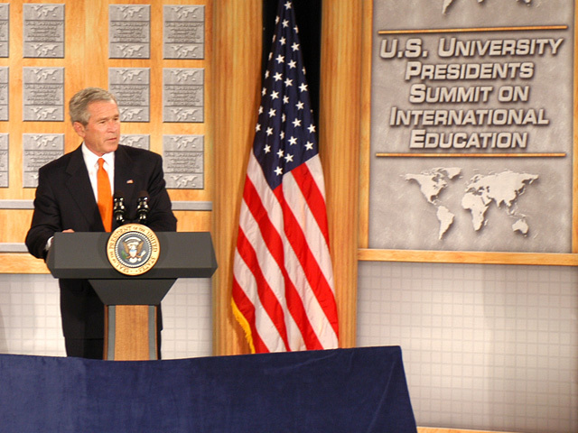 [Assignment: 59-CF-DS-26241A-06] President George Bush addressing Summit of U.S. University Presidents on International Education, Dean Acheson Auditorium [Photographer: Mark Stewart--State] [59-CF-DS-26241A-06_DSC_0213.JPG]