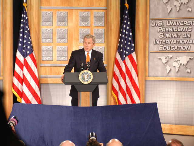 [Assignment: 59-CF-DS-26241A-06] President George Bush addressing Summit of U.S. University Presidents on International Education, Dean Acheson Auditorium [Photographer: Mark Stewart--State] [59-CF-DS-26241A-06_DSC_0210.JPG]