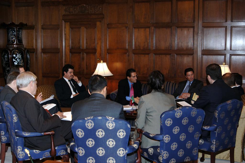 [Assignment: OS_2006_1201_82] Office of the Secretary (Carlos Gutierrez) - Mexico Secretary of Economy Sergio Garcia De Alba [40_CFD_OS_2006_1201_82_DSC_1905.JPG]