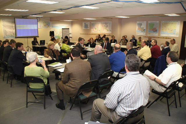[Hurricane Katrina] Baton Rouge, LA, January 24, 2006 - A congressional staff briefing is conducted at the Joint Field Office in Baton Rouge regarding recovery efforts for Hurricanes Katrina and Rita.  Robert Kaufmann/FEMA