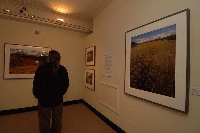 [Assignment: 48-DPA-N_Mus_Exhibits_2-9-06] Interior Museum exhibits, [viewing spaces] [48-DPA-N_Mus_Exhibits_2-9-06_DOI_6326.JPG]