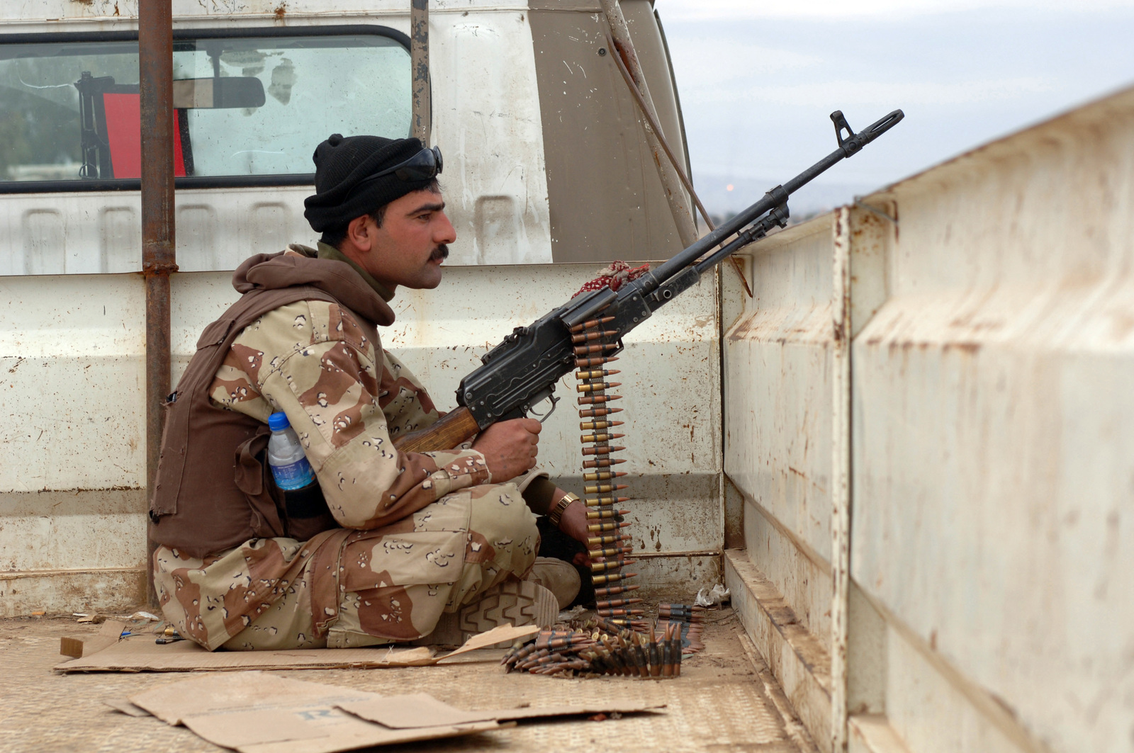 A Soldier of 1ST Company, 2nd Brigade, 4th Iraqi Army