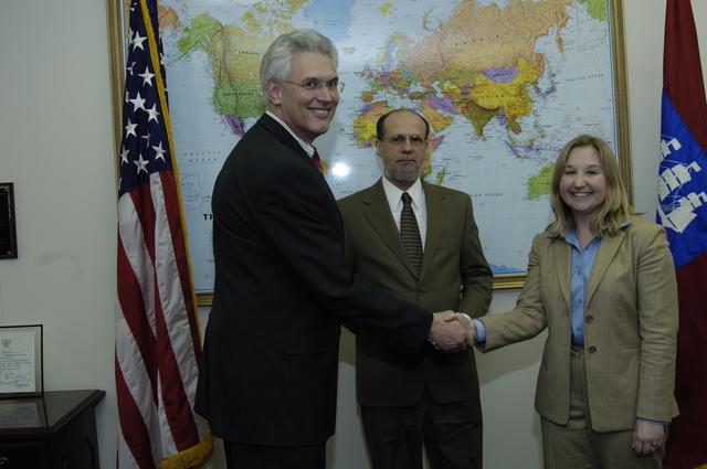 [Assignment: ITA_2006_4874_43] International Trade Administration - Swearing-In Sarah Ellerman [40_CFD_ITA_2006_4874_43__DSC0011.JPG]
