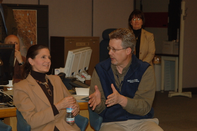 [Assignment: 48-DPA-N_Scarl_CA_BuRec] Acting Secretary P. Lynn Scarlett  [and aides touring] Bureau of Reclamation field office during California visit [48-DPA-N_Scarl_CA_BuRec_DOI_2584.JPG]