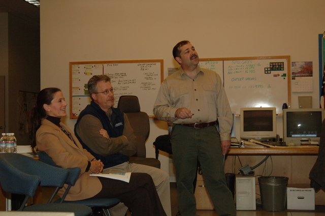[Assignment: 48-DPA-N_Scarl_CA_BuRec] Acting Secretary P. Lynn Scarlett  [and aides touring] Bureau of Reclamation field office during California visit [48-DPA-N_Scarl_CA_BuRec_DOI_2588.JPG]
