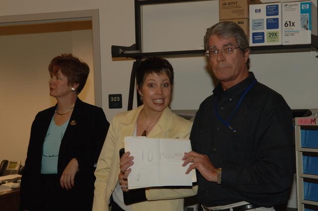 [Assignment: 48-DPA-N_Scarl_CA_BuRec] Acting Secretary P. Lynn Scarlett  [and aides touring] Bureau of Reclamation field office during California visit [48-DPA-N_Scarl_CA_BuRec_DOI_2594.JPG]