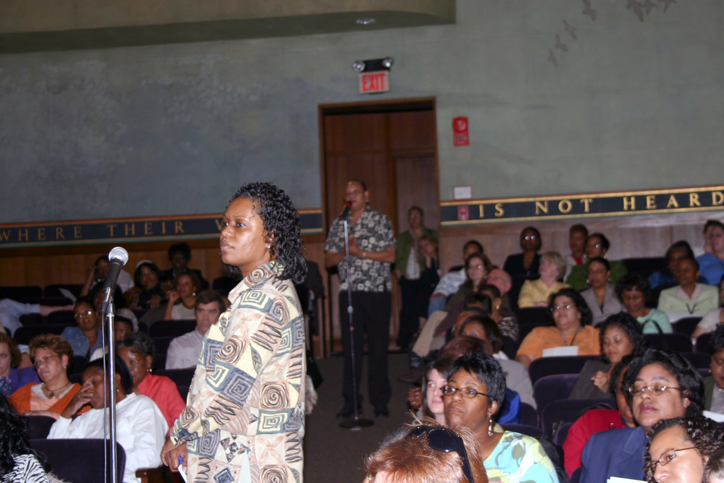 [Assignment: 48-DPA-N_DOI_Singletary] Book forum [at Main Interior, featuring presentation by] Michelle Singletary, [Washington Post financial columnist, and author of Your Money and Your Man: How You and Prince Charming Can Spend Well and Live Rich] [48-DPA-N_DOI_Singletary_IMG_5678.JPG]