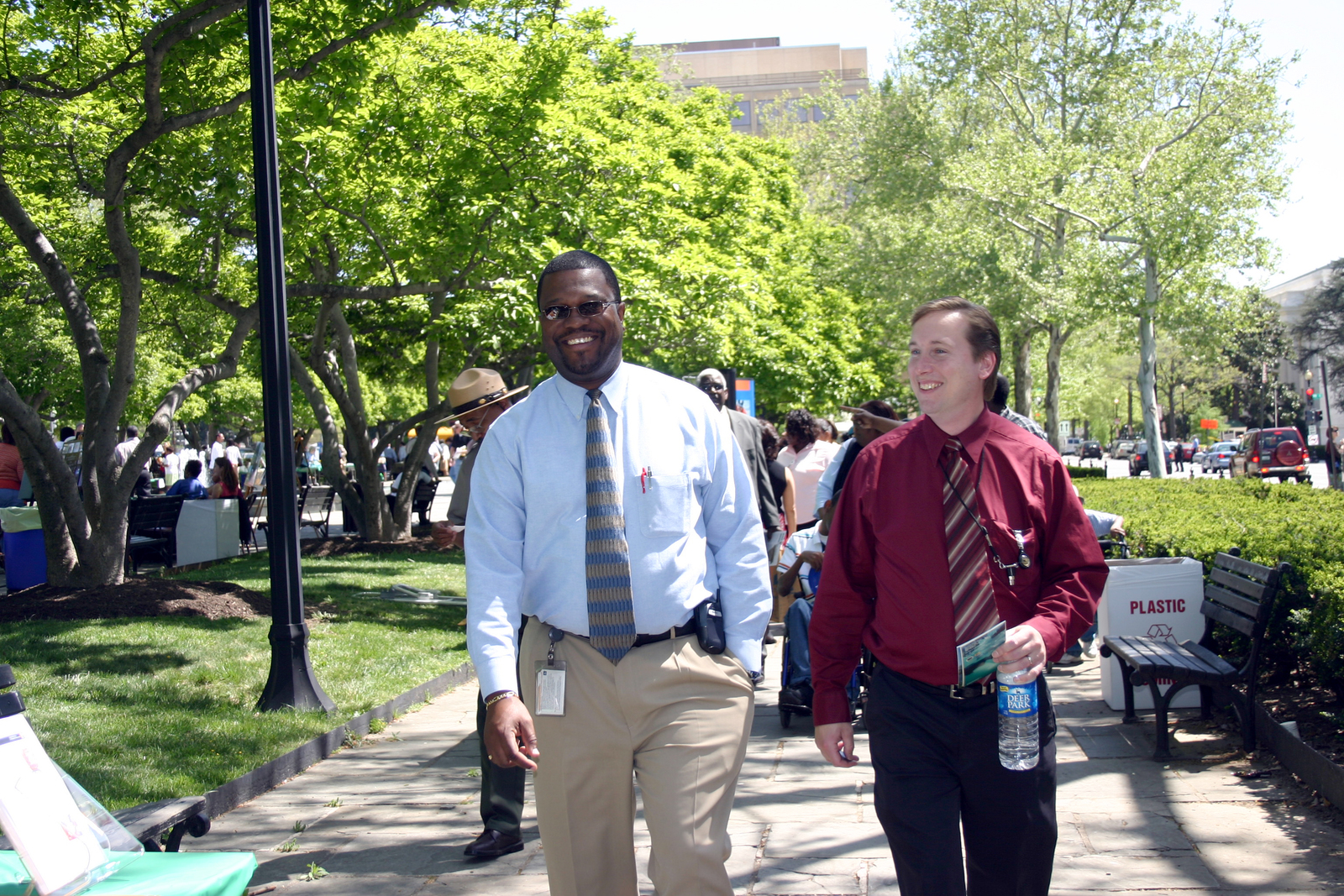 [Assignment: 48-DPA-N_EDay_Mall_4-20-06] Earth Day activities [on and around] the National Mall, [including Department of the Interior and other federal agency displays] [48-DPA-N_EDay_Mall_4-20-06_IMG_5868.JPG]