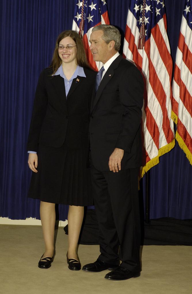 Office of the Administrator (Stephen L. Johnson) - President's Environmental Youth Award (PEYA) with President George W. Bush [412-APD-177-Region_10.jpg]