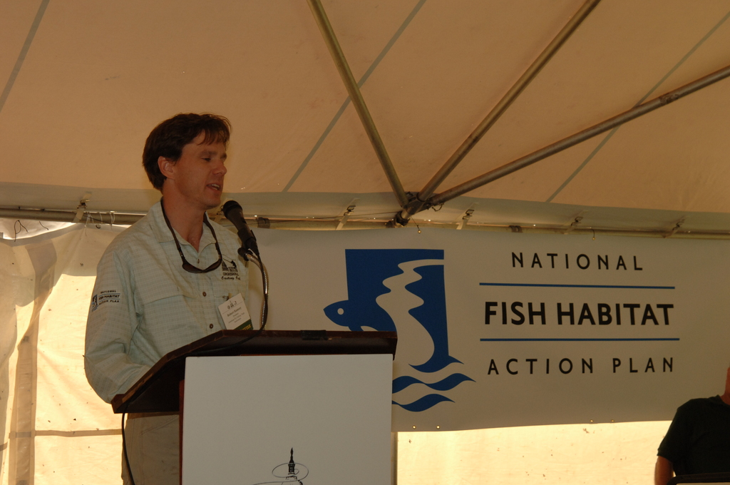 [Assignment: 48-DPA-N_Scarl_Hab_Act] National Fish Habitat Action Plan signing event, with Acting Interior Secretary P. Lynn Scarlett [joining Commerce Secretary Carlos Gutierrez, Association of Fish and Wildlife Agencies (AFWA) President John Cooper, and AFWA Executive Vice President John Baughman in the commitment to measures aimed at promoting public-private fish habitat partnerships across the country, and  protection of all healthy and intact habitats by 2015, among other goals]  [48-DPA-N_Scarl_Hab_Act_DOI_3512.JPG]