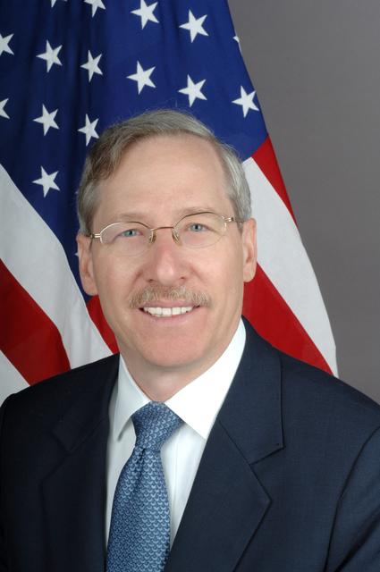 [Assignment: 59-CF-DS-28425-06] Official portrait of Michael Kirby, U.S. Ambassador-designate to Moldova [Photographer: Ann Thomas--State] [59-CF-DS-28425-06_Amb_Michael_Kirby_fromPSD.jpg]