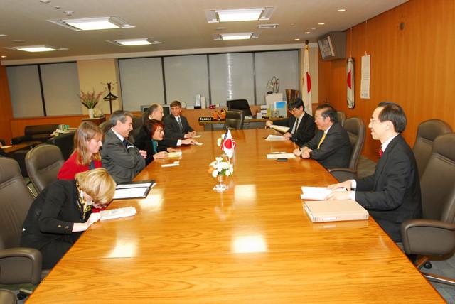 [Assignment: OS_2006_1201_160] Office of the Secretary (Carlos Gutierrez) - Secretary Gutierrez Trip from Japan [40_CFD_OS_2006_1201_160_TOKYO-402.jpg]