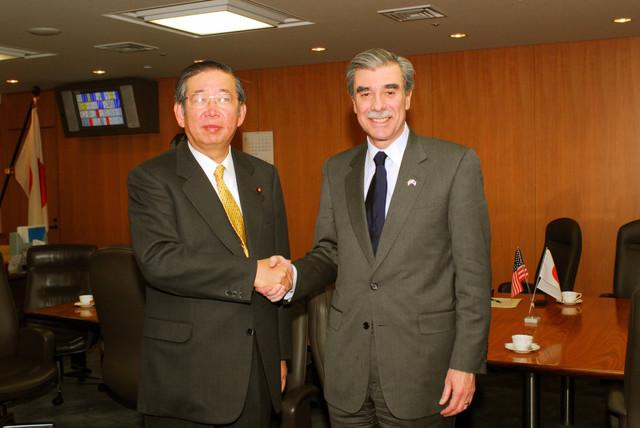 [Assignment: OS_2006_1201_160] Office of the Secretary (Carlos Gutierrez) - Secretary Gutierrez Trip from Japan [40_CFD_OS_2006_1201_160_TOKYO-415.jpg]