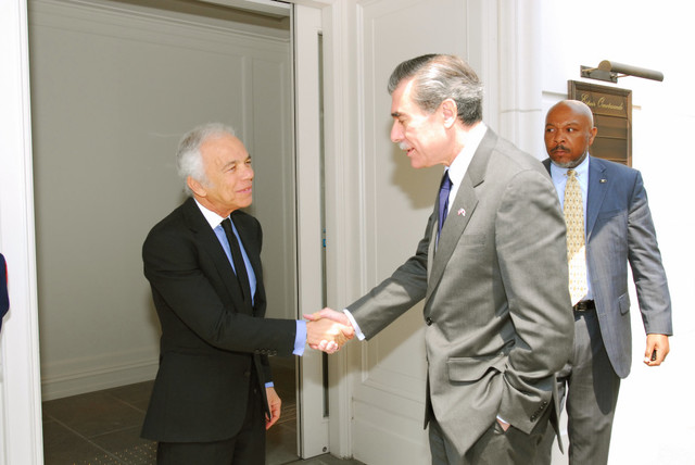 [Assignment: OS_2006_1201_160] Office of the Secretary (Carlos Gutierrez) - Secretary Gutierrez Trip from Japan [40_CFD_OS_2006_1201_160_TOKYO-184.jpg]