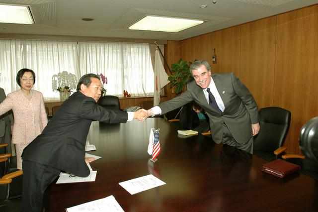 [Assignment: OS_2006_1201_160] Office of the Secretary (Carlos Gutierrez) - Secretary Gutierrez Trip from Japan [40_CFD_OS_2006_1201_160_TOKYO-244.jpg]