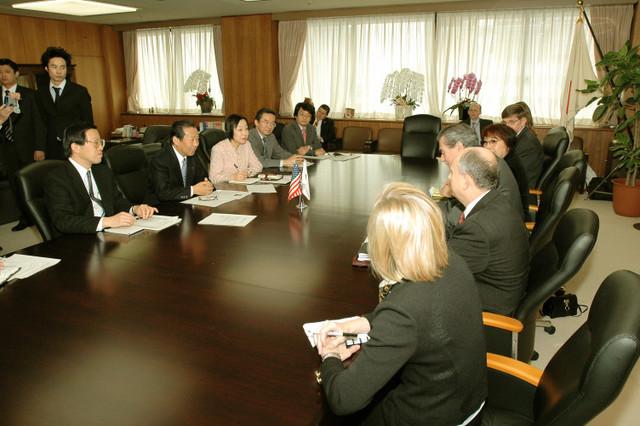 [Assignment: OS_2006_1201_160] Office of the Secretary (Carlos Gutierrez) - Secretary Gutierrez Trip from Japan [40_CFD_OS_2006_1201_160_TOKYO-247.jpg]