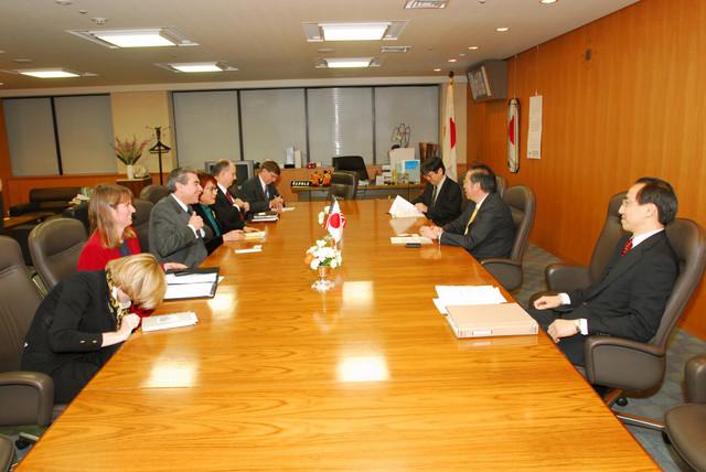 [Assignment: OS_2006_1201_160] Office of the Secretary (Carlos Gutierrez) - Secretary Gutierrez Trip from Japan [40_CFD_OS_2006_1201_160_TOKYO-403.jpg]