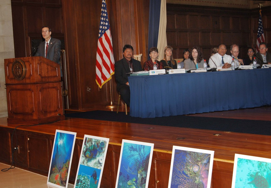 [Assignment: NOAA_2006_3137_48] National Oceanic and Atmospheric Administration - US Coral Reef Task Force Congressional Reception [40_CFD_NOAA_2006_3137_48_DSC_3796.JPG]