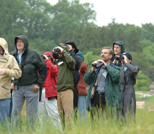 [Assignment: 48-DPA-N_Sc_Mig_Bird_5-8-06] Acting Secretary P. Lynn Scarlett [and aides participating in] International Migratory Bird Day bird walk activities [48-DPA-N_Sc_Mig_Bird_5-8-06_0713.jpg]