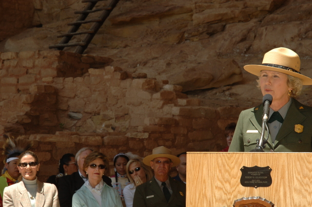 [Assignment: 48-DPA-N_Sc_Bush_CO] Visit of Acting Secretary P. Lynn Scarlett to [Mesa Verde National Park], Colorado, where she joined First Lady Laura Bush, National Park Service [Director Fran Mainella, Mesa Verde Superintendent Larry Wiese, and other dignitaries for speeches, tours marking the Park's 100th anniversary] [48-DPA-N_Sc_Bush_CO_DSC_0880.JPG]