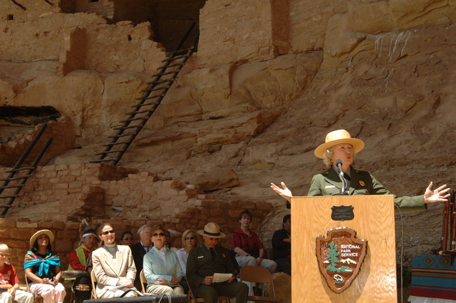 [Assignment: 48-DPA-N_Sc_Bush_CO] Visit of Acting Secretary P. Lynn Scarlett to [Mesa Verde National Park], Colorado, where she joined First Lady Laura Bush, National Park Service [Director Fran Mainella, Mesa Verde Superintendent Larry Wiese, and other dignitaries for speeches, tours marking the Park's 100th anniversary] [48-DPA-N_Sc_Bush_CO_DSC_0872.JPG]