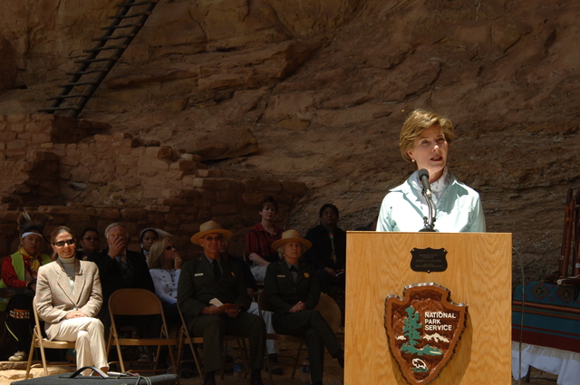 [Assignment: 48-DPA-N_Sc_Bush_CO] Visit of Acting Secretary P. Lynn Scarlett to [Mesa Verde National Park], Colorado, where she joined First Lady Laura Bush, National Park Service [Director Fran Mainella, Mesa Verde Superintendent Larry Wiese, and other dignitaries for speeches, tours marking the Park's 100th anniversary] [48-DPA-N_Sc_Bush_CO_DSC_0931.JPG]