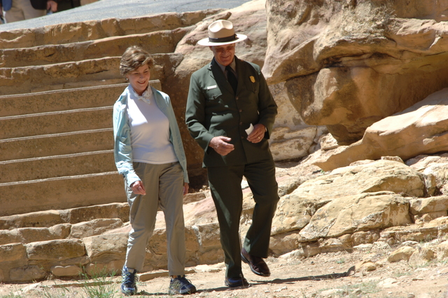 [Assignment: 48-DPA-N_Sc_Bush_CO] Visit of Acting Secretary P. Lynn Scarlett to [Mesa Verde National Park], Colorado, where she joined First Lady Laura Bush, National Park Service [Director Fran Mainella, Mesa Verde Superintendent Larry Wiese, and other dignitaries for speeches, tours marking the Park's 100th anniversary] [48-DPA-N_Sc_Bush_CO_DOI_5830.JPG]
