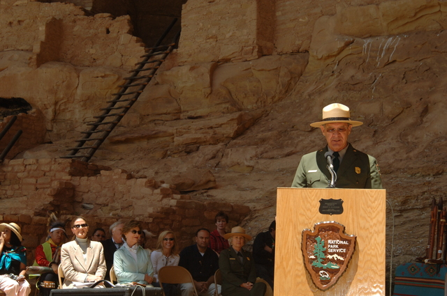 [Assignment: 48-DPA-N_Sc_Bush_CO] Visit of Acting Secretary P. Lynn Scarlett to [Mesa Verde National Park], Colorado, where she joined First Lady Laura Bush, National Park Service [Director Fran Mainella, Mesa Verde Superintendent Larry Wiese, and other dignitaries for speeches, tours marking the Park's 100th anniversary] [48-DPA-N_Sc_Bush_CO_DSC_0864.JPG]