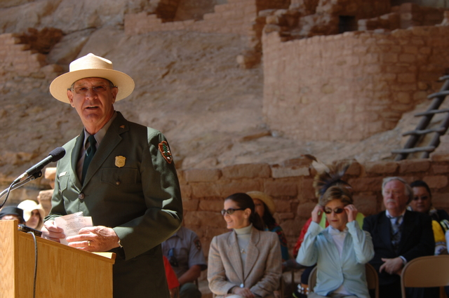 [Assignment: 48-DPA-N_Sc_Bush_CO] Visit of Acting Secretary P. Lynn Scarlett to [Mesa Verde National Park], Colorado, where she joined First Lady Laura Bush, National Park Service [Director Fran Mainella, Mesa Verde Superintendent Larry Wiese, and other dignitaries for speeches, tours marking the Park's 100th anniversary] [48-DPA-N_Sc_Bush_CO_DOI_5935.JPG]