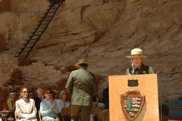 [Assignment: 48-DPA-N_Sc_Bush_CO] Visit of Acting Secretary P. Lynn Scarlett to [Mesa Verde National Park], Colorado, where she joined First Lady Laura Bush, National Park Service [Director Fran Mainella, Mesa Verde Superintendent Larry Wiese, and other dignitaries for speeches, tours marking the Park's 100th anniversary] [48-DPA-N_Sc_Bush_CO_DSC_0867.JPG]