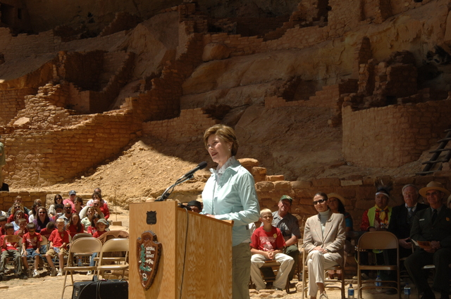 [Assignment: 48-DPA-N_Sc_Bush_CO] Visit of Acting Secretary P. Lynn Scarlett to [Mesa Verde National Park], Colorado, where she joined First Lady Laura Bush, National Park Service [Director Fran Mainella, Mesa Verde Superintendent Larry Wiese, and other dignitaries for speeches, tours marking the Park's 100th anniversary] [48-DPA-N_Sc_Bush_CO_DSC_0948.JPG]