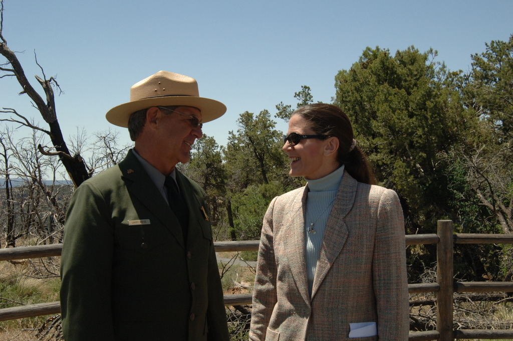 [Assignment: 48-DPA-N_Sc_Bush_CO] Visit of Acting Secretary P. Lynn Scarlett to [Mesa Verde National Park], Colorado, where she joined First Lady Laura Bush, National Park Service [Director Fran Mainella, Mesa Verde Superintendent Larry Wiese, and other dignitaries for speeches, tours marking the Park's 100th anniversary] [48-DPA-N_Sc_Bush_CO_DSC_0787.JPG]