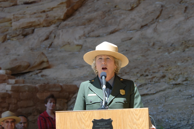 [Assignment: 48-DPA-N_Sc_Bush_CO] Visit of Acting Secretary P. Lynn Scarlett to [Mesa Verde National Park], Colorado, where she joined First Lady Laura Bush, National Park Service [Director Fran Mainella, Mesa Verde Superintendent Larry Wiese, and other dignitaries for speeches, tours marking the Park's 100th anniversary] [48-DPA-N_Sc_Bush_CO_DOI_5868.JPG]