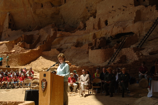 [Assignment: 48-DPA-N_Sc_Bush_CO] Visit of Acting Secretary P. Lynn Scarlett to [Mesa Verde National Park], Colorado, where she joined First Lady Laura Bush, National Park Service [Director Fran Mainella, Mesa Verde Superintendent Larry Wiese, and other dignitaries for speeches, tours marking the Park's 100th anniversary] [48-DPA-N_Sc_Bush_CO_DSC_0946.JPG]
