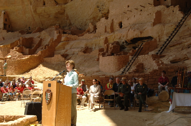 [Assignment: 48-DPA-N_Sc_Bush_CO] Visit of Acting Secretary P. Lynn Scarlett to [Mesa Verde National Park], Colorado, where she joined First Lady Laura Bush, National Park Service [Director Fran Mainella, Mesa Verde Superintendent Larry Wiese, and other dignitaries for speeches, tours marking the Park's 100th anniversary] [48-DPA-N_Sc_Bush_CO_DSC_0963.JPG]