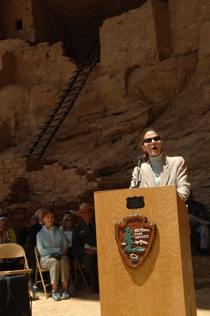 [Assignment: 48-DPA-N_Sc_Bush_CO] Visit of Acting Secretary P. Lynn Scarlett to [Mesa Verde National Park], Colorado, where she joined First Lady Laura Bush, National Park Service [Director Fran Mainella, Mesa Verde Superintendent Larry Wiese, and other dignitaries for speeches, tours marking the Park's 100th anniversary] [48-DPA-N_Sc_Bush_CO_DSC_0910.JPG]