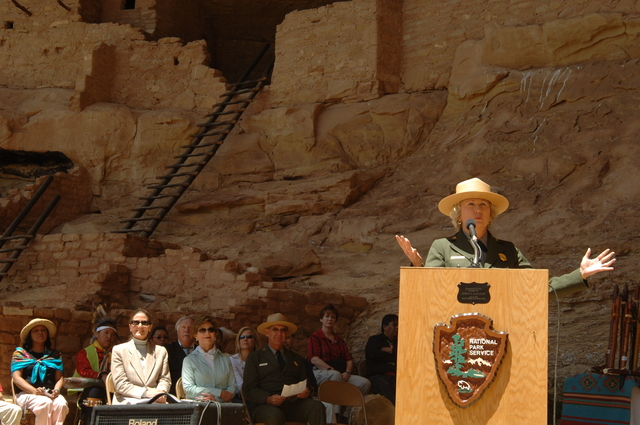 [Assignment: 48-DPA-N_Sc_Bush_CO] Visit of Acting Secretary P. Lynn Scarlett to [Mesa Verde National Park], Colorado, where she joined First Lady Laura Bush, National Park Service [Director Fran Mainella, Mesa Verde Superintendent Larry Wiese, and other dignitaries for speeches, tours marking the Park's 100th anniversary] [48-DPA-N_Sc_Bush_CO_DSC_0874.JPG]