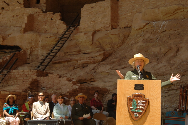 [Assignment: 48-DPA-N_Sc_Bush_CO] Visit of Acting Secretary P. Lynn Scarlett to [Mesa Verde National Park], Colorado, where she joined First Lady Laura Bush, National Park Service [Director Fran Mainella, Mesa Verde Superintendent Larry Wiese, and other dignitaries for speeches, tours marking the Park's 100th anniversary] [48-DPA-N_Sc_Bush_CO_DSC_0875.JPG]